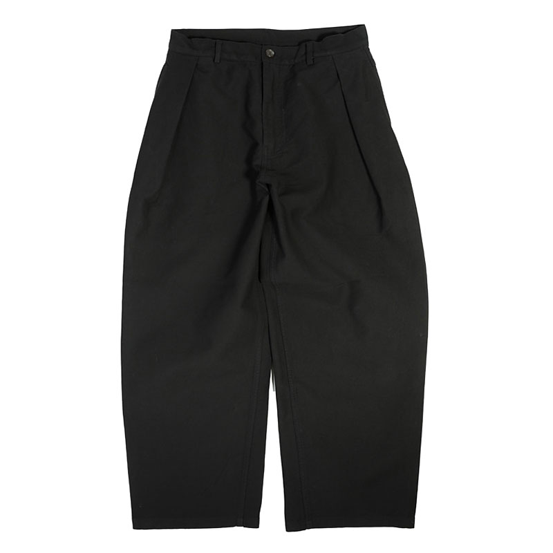 ONE TUCK CHINO PANTS [BLACK]
